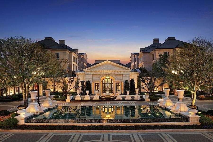 Majestic Mansion